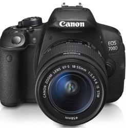 Canon EOS 700D Body + EF 18-55 IS STM